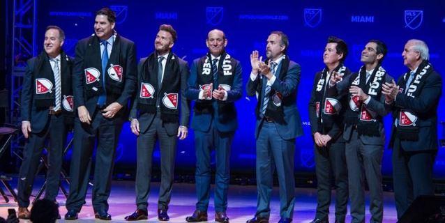 Beckham no da detalles del equipo de fútbol de Miami pero los hinchas ya celebran