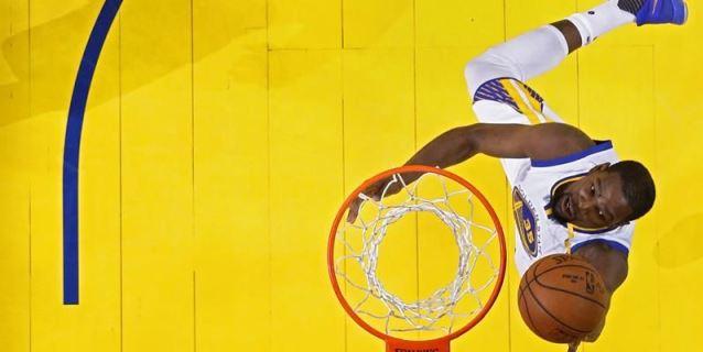 Durant y Warriors silencian a Westbrook y Thunder; ganan Celtics y Sixers