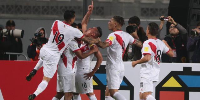 """Selección peruana se mantiene en el puesto 11 del """"ranking"""" de la FIFA"""