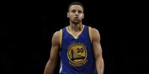 Los Rockets, 60 triunfos, se acercan a su mejor marca, los Warriors pendientes de Curry