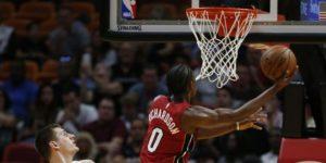 Heat vence 149-141 a Nuggets en doble tiempo extra