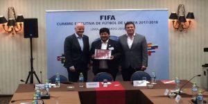 """Gianni Infantino: """"estoy feliz que Perú esté en el Mundial porque es un país de fútbol"""