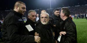 El presidente del PAOK que entró al campo con una pistola no podrá acceder a estadios durante 3 años