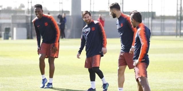 Messi se reincorpora parcialmente al entrenamiento del Barcelona