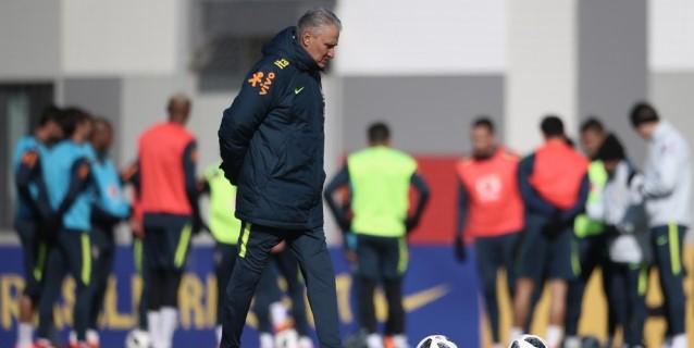 Brasil se entrena en Moscú con madridistas y barcelonistas, pero sin Sandro