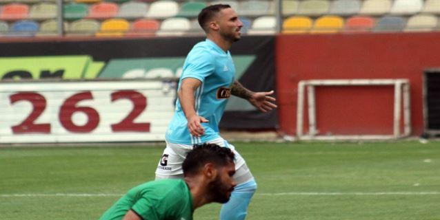 Universitario y Cristal empataron en vibrante partido