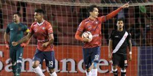 El Wilstermann golea y lidera la serie A del torneo boliviano de fútbol