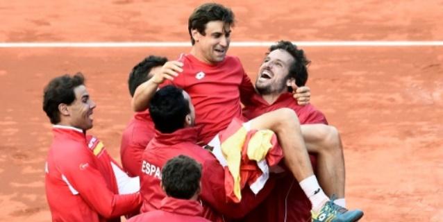 Ferrer mete a España en semifinales de la Davis en un partido épico