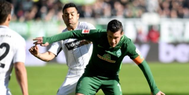 Werder Bremen gana al Eintracht y casi asegura su permanencia