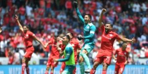Toluca y Santos ganan y clasifican a cuartos de final del fútbol mexicano