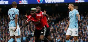 El United se lleva al derbi de Mánchester y aplaza el título del City