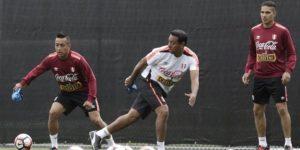 """FIFA hace referencia al """"sufrimiento"""" de Solano para llegar al Mundial"""