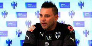 Técnico argentino Mohamed deja el banquillo de Rayados de Monterrey