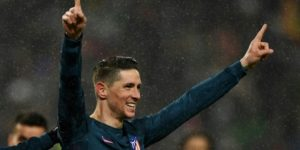 El fútbol español despide a dos leyendas: Iniesta y Fernando Torres