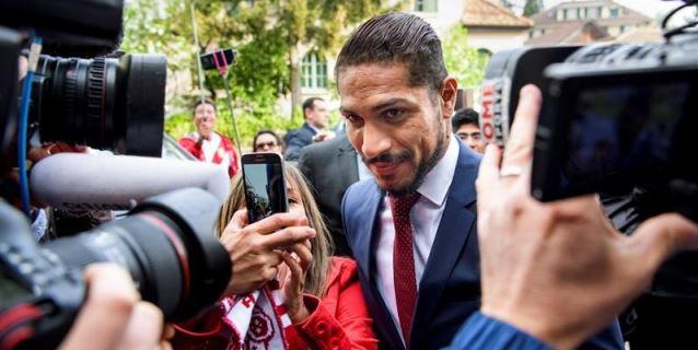 Selección peruana: emisario viajará a Brasil para tomarle medidas a Paolo Guerrero