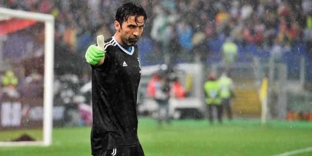 """""""Gigi"""" Buffon, un gigante con guantes"""