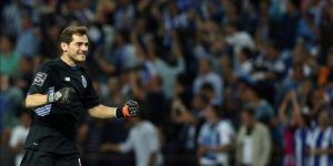 Iker Casillas renueva una temporada con el Porto