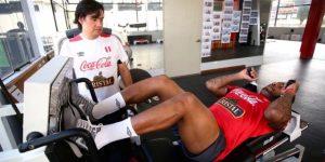 Farfán se suma a las prácticas de la selección peruana