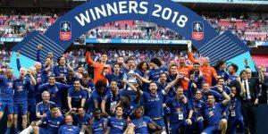 El Chelsea vence al United y encuentra en la Copa un poco de consuelo