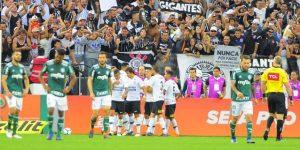 Corinthians vence a Palmeiras y alcanza a Flamengo en el liderazgo