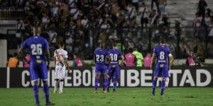 0-4. Cruzeiro golea, elimina a Vasco y asume el liderato del Grupo E