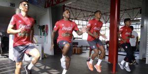 Farfán, Hurtado y Carrillo se suman a entrenamientos de selección peruana
