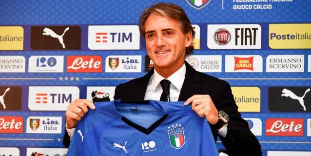 Mancini asume en Italia y sorprende con oportunidad para Balotelli