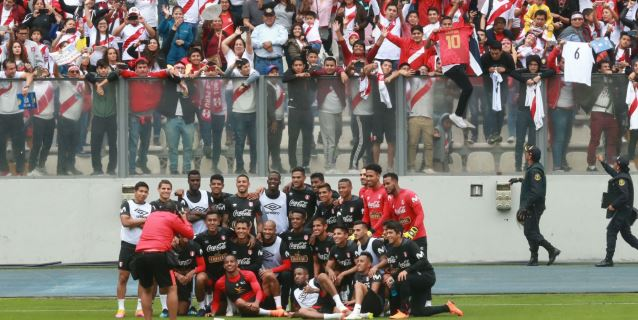 Selección agradece a hinchas que fueron a entrenamiento en el Nacional