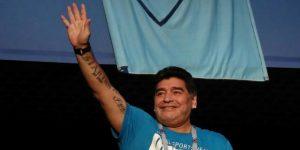 """Maradona dice estar """"perfecto"""" y feliz por su nieto"""