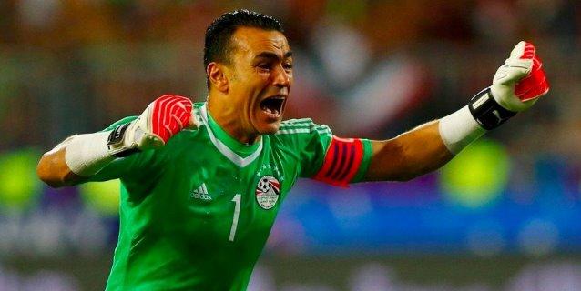 El Hadary bate récord al jugar partido de un Mundial con 45 años