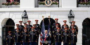 Trump alardea de su patriotismo ante el desplante de los campeones de la NFL