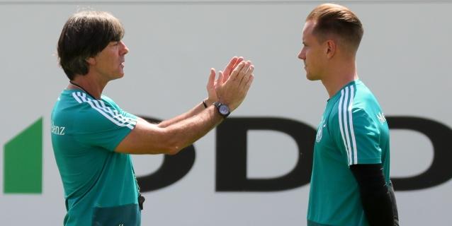 Löw mantiene extensa charla con Ter Stegen antes del test mundialista