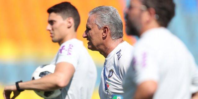 Brasil sale a borrar dudas ante Costa Rica con la incógnita de Neymar