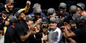 """Warriors vencen por tercera vez en cuatro años a los """"Cavs"""" de LeBron"""