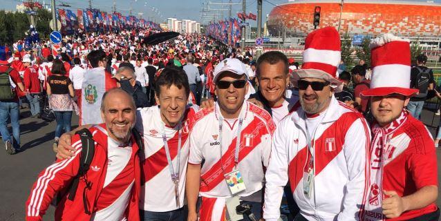 El Mundial de los latinos: mandan en la calle, sufren en el campo