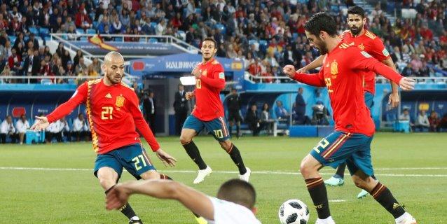 España empata con Marruecos en final de locura y avanza como líder