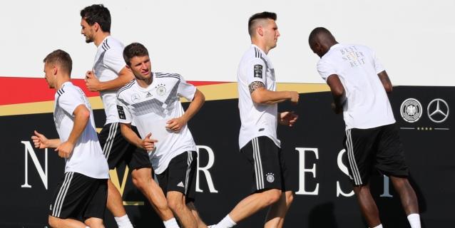 Cambio de planes tras la derrota: Alemania entrena a puerta cerrada
