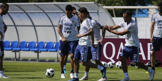Argentina entrena pensando en una final anticipada con Croacia