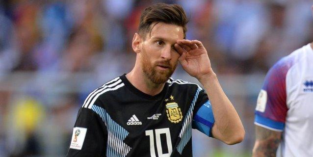 Messi erra un penal y Argentina arranca con mal pie ante Islandia