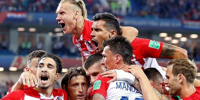Croacia vence 2-0 a Nigeria y se coloca líder del Grupo D