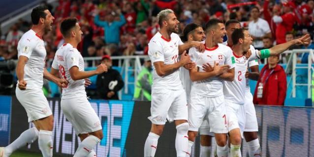 Suiza remonta ante Serbia y acaricia el pase a octavos