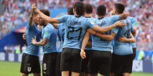 Uruguay baja a Rusia a tierra y pasa como primera de grupo