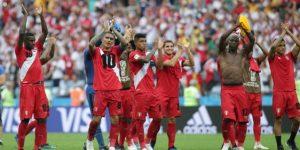 Perú se despide del Mundial con un histórico 2-0 ante Australia