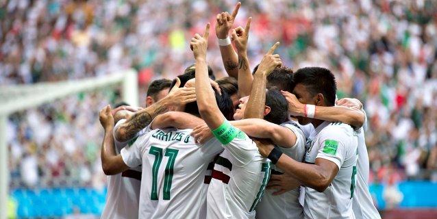 México gana 2-1 a Corea del Sur y ve de cerca los octavos del Mundial