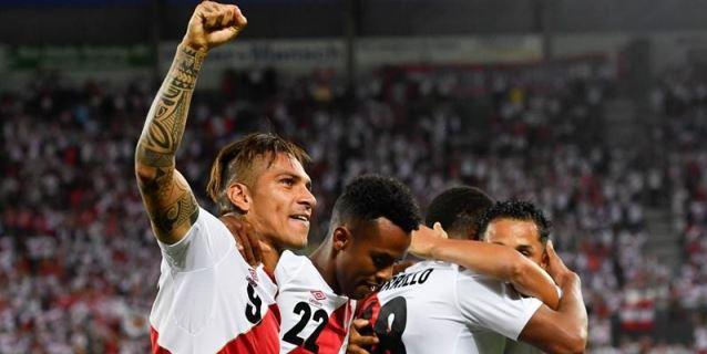 """Gareca se declara """"muy contento"""" con el regreso goleador de Paolo Guerrero"""
