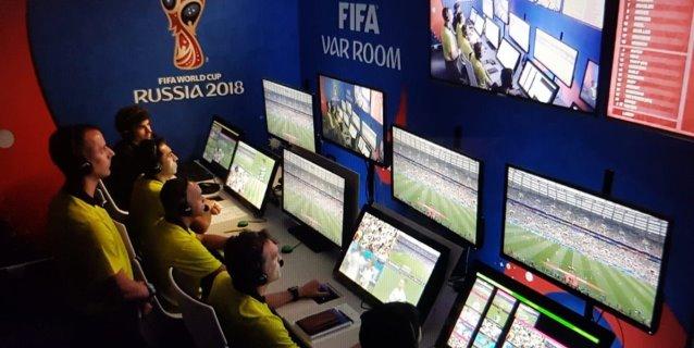 FIFA, satisfecha con el debut del videoarbitraje en Rusia 2018