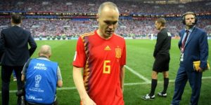 Iniesta dice adiós a la selección española de la forma más triste