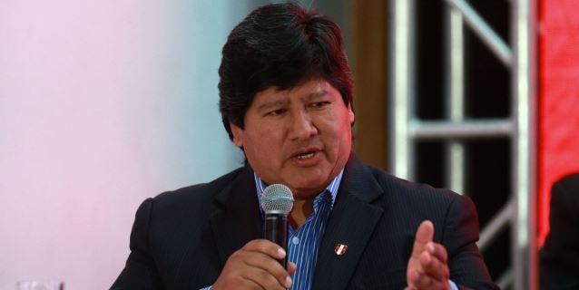 Niegan presunta fuga de presidente de Federación Peruana de Fútbol