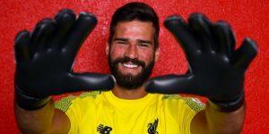 Liverpool firma traspaso de arquero brasileño Alisson desde la Roma