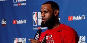 LeBron James se va por cuatro años a Los Angeles Lakers